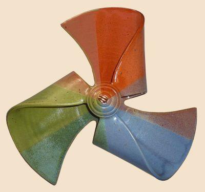 Windmühle hängend dreifarbig blau/ terrakotta/ grün